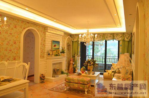 韩式田园风格的客厅是宽敞而富有历史气息