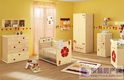 婴儿居室环境黑白平面设计图