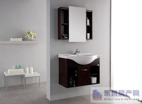 选购浴室柜的时候,没有考虑到家中主卫和次卫在结构