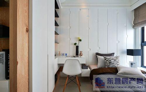 嵌入式衣柜或其他一些嵌入墙体的柜子好处不少,既增大了柜子图片